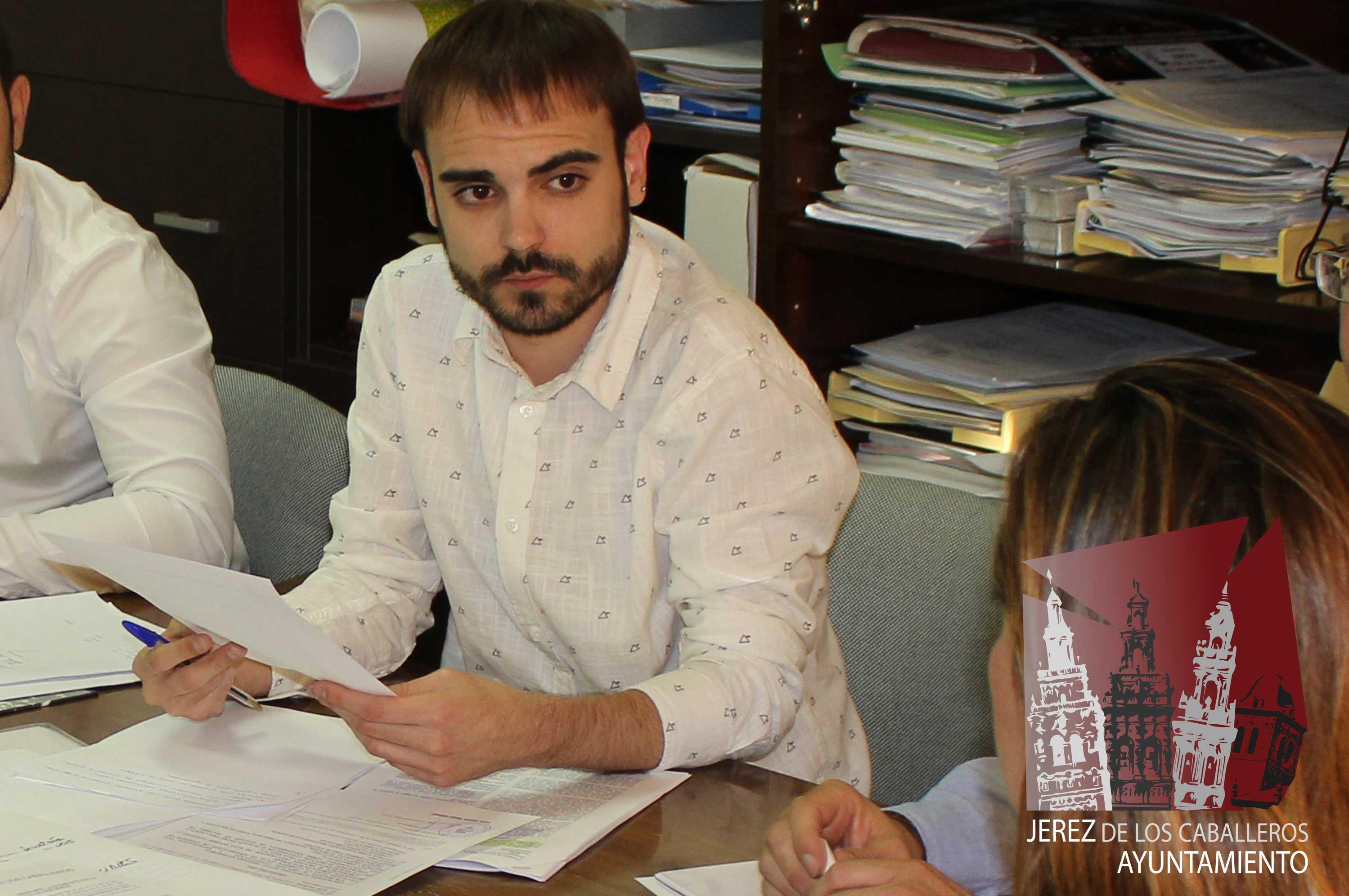 Los SSB del Ayuntamiento de Jerez de los Caballeros, han tramitado hasta el día de hoy 100 expedientes de ayudas para los mínimos vitales