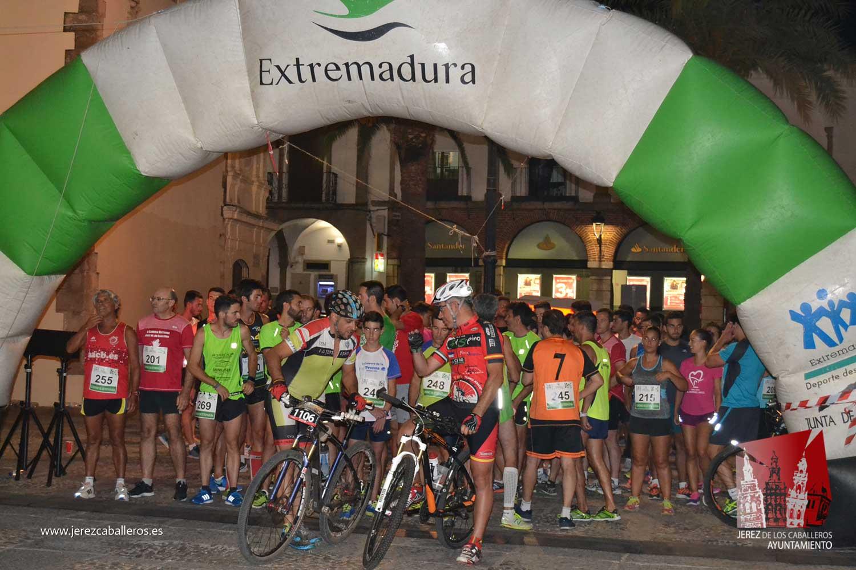 Noventa corredores participaron este domingo en la II Carrera Popular Nocturna celebrada en Jerez de los Caballeros