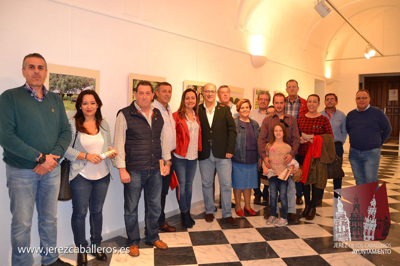 """Abierta al público la exposición """"Toros y Dehesa Extremeña"""" en la sala 'Francisco Benavides Pitel' del Centro Cultural San Agustín"""