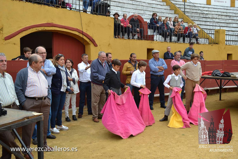 La Peña Cultural Taurina celebra su convivencia anual en la plaza de toros de Jerez
