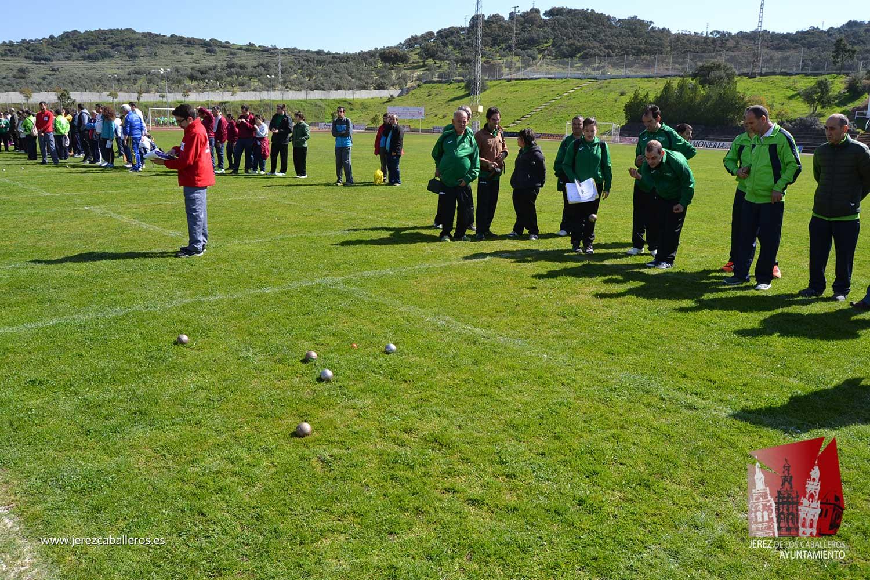Unas 600 personas participan en Jerez de los Caballeros en una de ...