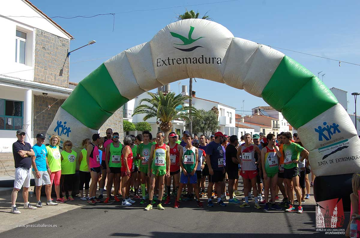 120 corredores han participado este domingo  en el 'Cross Nando Juglar' celebrado en Valuengo