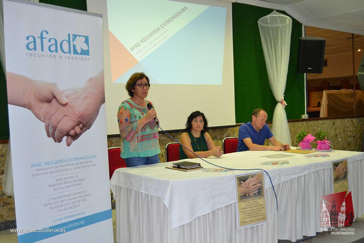 Primer encuentro para la creación de la Asociación de Familiares de Enfermos de Alzheimer en Jerez de los Caballeros