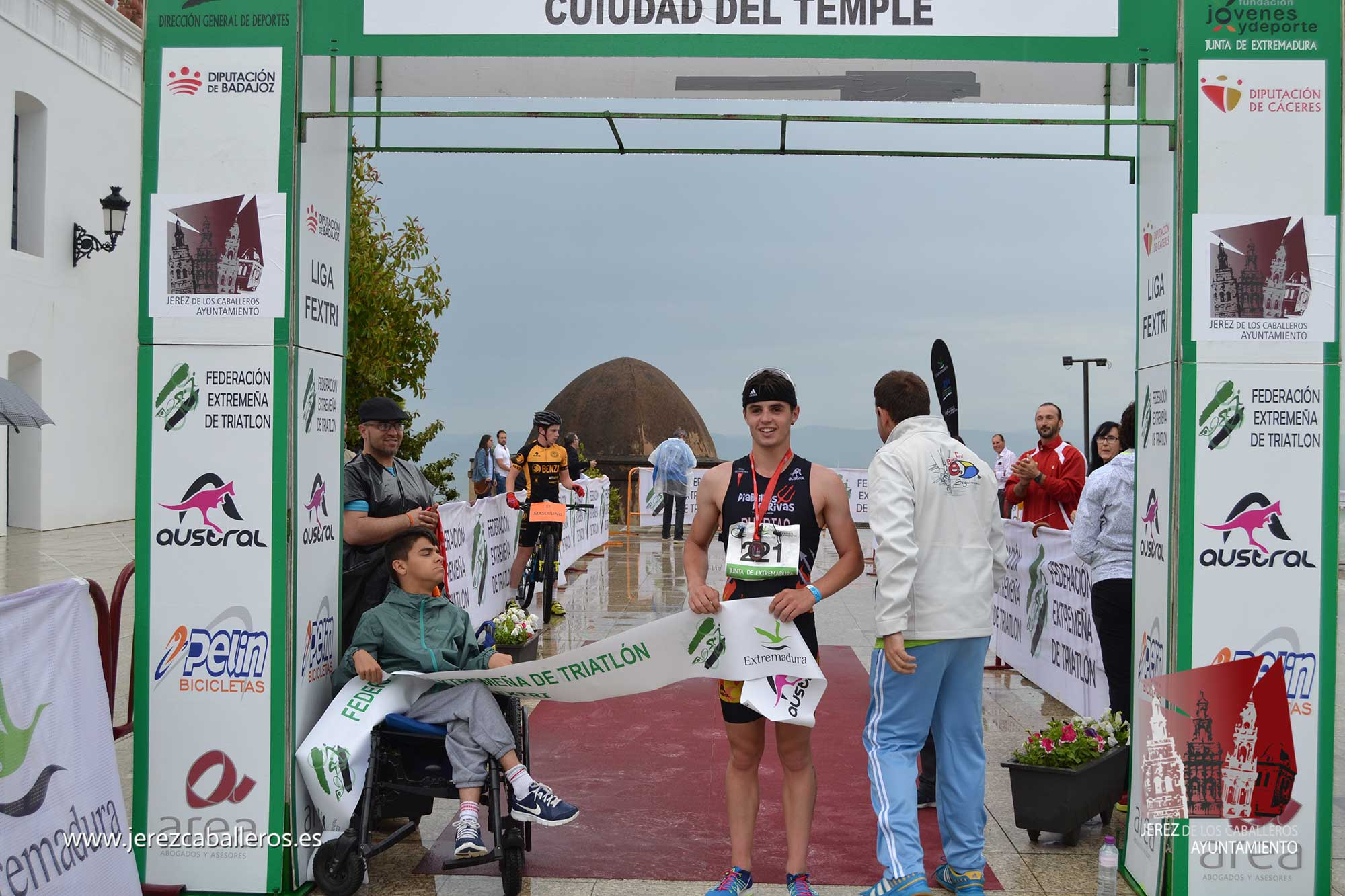 El Triatlón 'Ciudad del Temple' consolida su atractivo con la participación de 139 triatletas en su IV edición