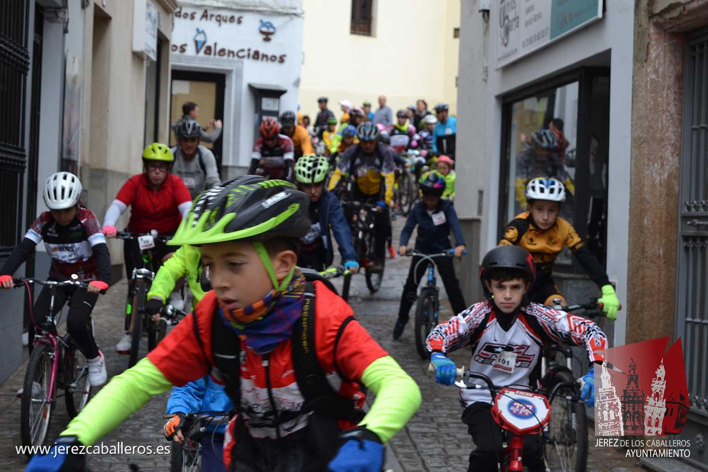 La lluvia dio un respiro para disfrutar en familia del 'Día de la Bicicleta'
