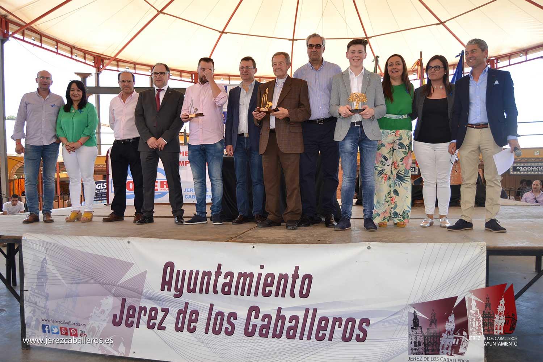 La gala de entrega de los premios de los Concursos 'Jamón de Oro' y de Cortadores, pone el broche al XXX Salón del Jamón Ibérico en Jerez de los Caballeros
