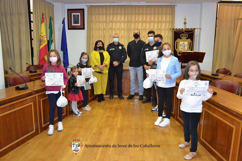 Entrega de premios dibuja policía local
